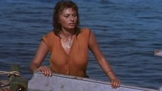 Мокрая Софи Лорен на лодке