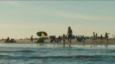 1. Эль Фаннинг в купальнике на пляже – Галвестон