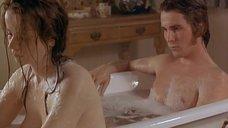 1. Эмили Уотсон принимает ванну с парнем – Метролэнд