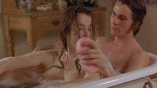 4. Эмили Уотсон принимает ванну с парнем – Метролэнд