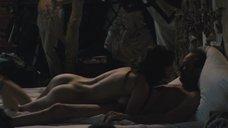Постельная сцена с Шарлоттой Ле Бон