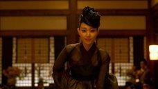 1. Ли Ю-ён показывает свою промежность – Коварство (2015)