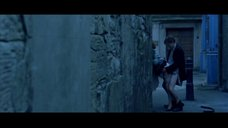 2. Секс с Терезой Брэдли на улице – Молодой Адам