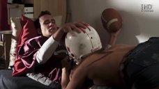 Кэти Хивен делает минет в шлеме