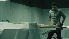 Сцена изнасилования тела Альба Рибас м морге