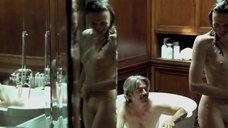 12. Белен Фабра делает минет в ванне – Дневники нимфоманки