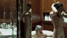 9. Белен Фабра делает минет в ванне – Дневники нимфоманки