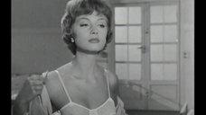 Мари-Элен Арно в прозрачном лифчике