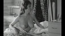 Элис Денхам и Джорджина Спелвин хотят спать без пижамы