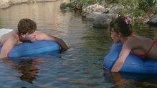 4. Шерилин Фенн в купальнике – Дух мщения