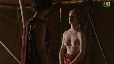 2. Красивая голая грудь Капуцин Делаби – Одиссея