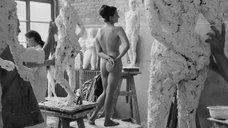 Обнаженная Доротея Бланк позирует для скульпторов