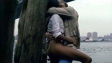 Секс сцена с Лаурой Гемсер