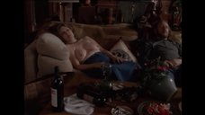 Бретт Пайсель спит топлес