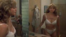 1. Горячая Ким Кэтролл в нижнем белье – Мальчишник наоборот