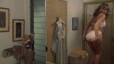 5. Горячая Ким Кэтролл в нижнем белье – Мальчишник наоборот