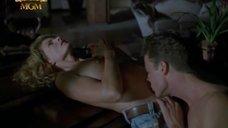 Интимная сцена с Джоан Северанс