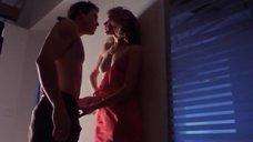 Секс сцена с Джоан Северанс и Сюзанн Тёрнер