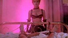 Эротическая сцена с Роксанной Харт