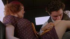 Эро сцена с Грейси Гилберт в машине