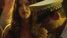 7. Секси Эмма Бут разбирается с полицейским – Криминальная Австралия