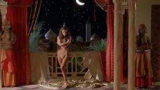 4. Интимная сцена с Кэтрин Зетой-Джонс – Тысяча и одна ночь