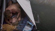 Эро сцена с Алин Джонс в палатке