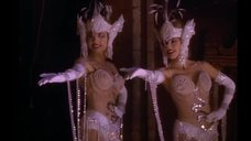 Кэнди Бру и Рэнди Бру в эротическом наряде