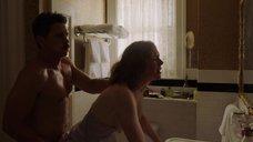 Секс с Амандой Баррон в ванной