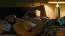 Мэгги Джилленхол мастурбирует после секса