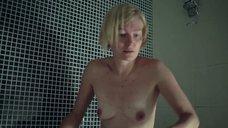 5. Голые Виктория Толстоганова и Виктория Исакова в ванной – Очень женские истории