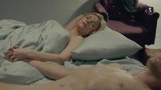 1. Раздетая Марина Зудина в постели – Содержанки
