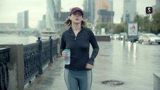 Ирина Старшенбаум трясет грудью во время бега