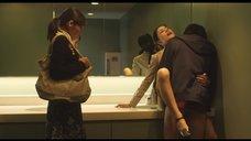 Секс с Макото Тогаси в туалете