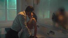 1. Секс с Анной Марией Сиклуцкой в ванной – 365 дней