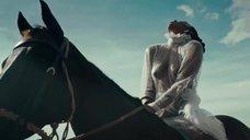 Келли Роуленд засветила голую грудь в клипе COFFEE