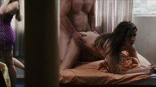 Дебора Секку работает проституткой
