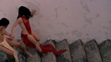 Алессандра Негрини в откровенном платье