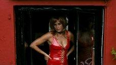 Горячая проститутка Нюрсель Кёсе в латексе