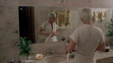 12. Обнаженная Анни Бель в ванной – Лаура
