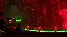 1. Анжелика Николаева танцует у шеста – Секс и ничего личного