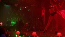 3. Анжелика Николаева танцует у шеста – Секс и ничего личного
