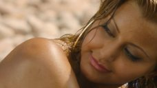 2. Захия Дехар топлес на пляже – Мое прекрасное лето с Софи