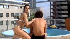 Дебора Секку в купальнике