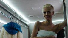 Снежана Самохина в полотенце