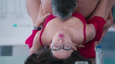 Горячая сцена с Саяни Гупта