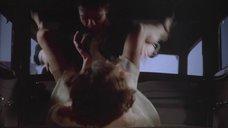 2. Изнасилование Элизабет МакГоверн в автомобиле – Однажды в Америке