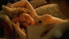 4. Кейт Уинслет позирует для картины – Титаник