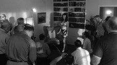 1. Гретхен Мол позирует перед фотографами – Непристойная Бэтти Пейдж