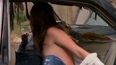 Катя Певек засветила грудь